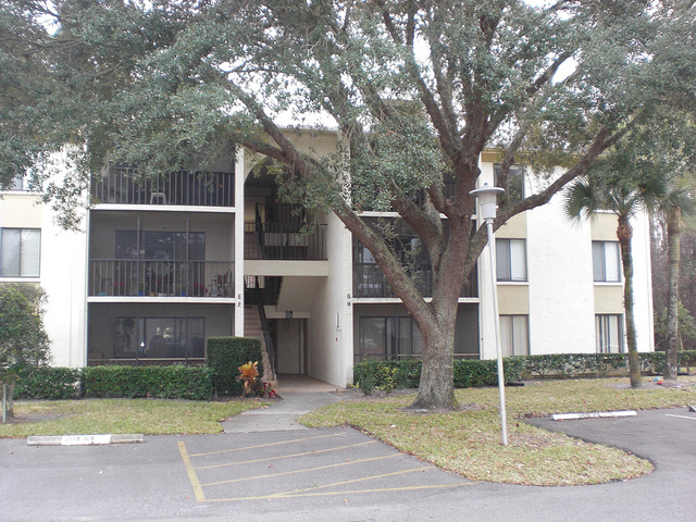 Pine Ridge Condos in Tarpon Springs, Florida